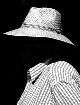Undercover Incognito ::: 434320_R_B_by_johannes vortmann_pixelio.de