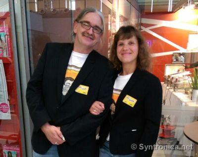 Syntronica.Net Sabnine Dietmar Syntronica Superfliege SWR1 Leute Flughafen Stuttgart