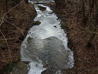 winter-dh-2009-4-vereister-bach